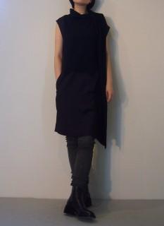 Dress【ROQUE】Leather Legging【HAIDER ACKERMANN】Shoes【ANN DEMEULEMEESTER】