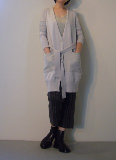 Cardigan, Long Camisole, Pants【ROQUE】Shoes【ANN DEMEULEMEESTER】