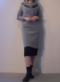 Hood Dress, Pleats Skirt【LUTZ HUELLE】
