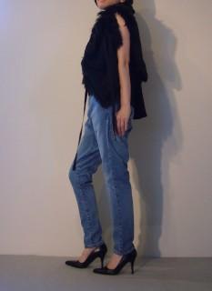 Fur Vest 【ANN DEMEULEMEESTER】Knit Tops【MHW】Jeans【bassike】