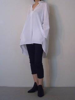 Shirt【LIVIANA CONTI】Pants【LIVIANA CONTI】