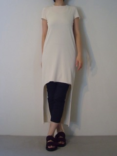 Knit Dress【LIVIANA CONTI】Pants【LIVIANA CONTI】Shoes【ANN DEMEULEMEESTER】