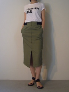 T-shirt【BLACK SCORE】Skirt【 LOKITHO】