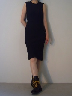 Dress【A.F.VANDEVORST】 Shoes【ANN DEMEULEMEESTER】
