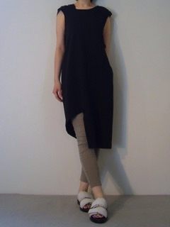 Dress【Roque】Pants【bassike】Shoes【ANN DEMEULEMEESTER】