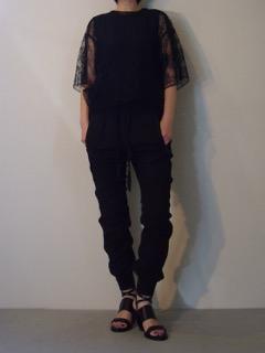 Lace top【A.F.VANDEVORST】Bodysuit【A.F.VANDEVORST】Pants【HAIDER ACKERMANN】Shoes【A.F.VANDEVORST】
