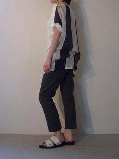 Tops【ANN DEMEULEMEESTER】Pants【ANN DEMEULEMEESTER】Shoes【ANN DEMEULEMEESTER】