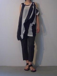 Tops【ANN DEMEULEMEESTER】Pants【ANN DEMEULEMEESTER】