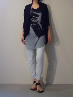 Cardigan【divka】Tank top【ANN DEMEULEMEESTER】Jeans【bassike】