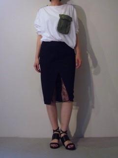 Tops【bassike】Skirt【A.F.VANDEVORST】Shoes【A.F.VANDEVORST】