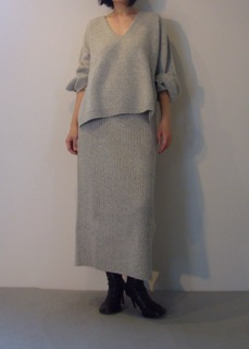 Knit top 【east by eastwest】 Knit skirt 【east by eastwest】