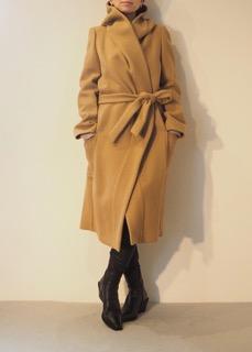 Coat【LUTZ HUELLE】Boots【ANN DEMEULEMEESTER】