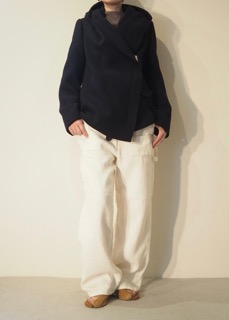 Coat【LUTZ HUELLE】Pants【HOLM】