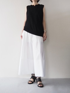 Knit top【RISMAT by Y's】Pants【divka】Shoes【A.F.VANDEVORST】Bangle【Présenté par Va-tout】