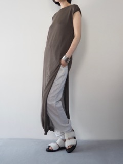 Knit dress【tous les deux ensemble】Pants【Olta Designs】shoes【ANN DEMEULEMEESTER】Bangle【iolom】