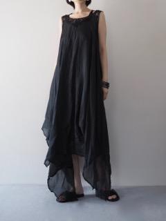 Dress【Marc Le Bihan】Shoes【SHOE BIZ COPENHAGEN】Pierce【Présenté par Va-tout】Bracelet【Jean François Mimilla】